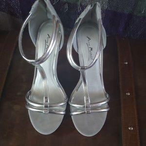Anne Michelle Silver Zipper Heels Size 8.5